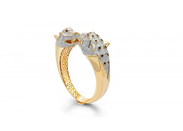 Tiger shape 18k yellow gold IF-GH diamond round Kada Bangle