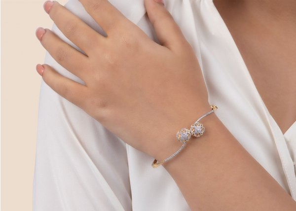 18k Yellow Gold Twin Floret Diamond Bracelet 1.290Ct SG10737BN